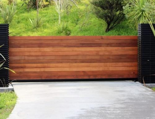 Automated Cantilever Cedar Gate – Waikato