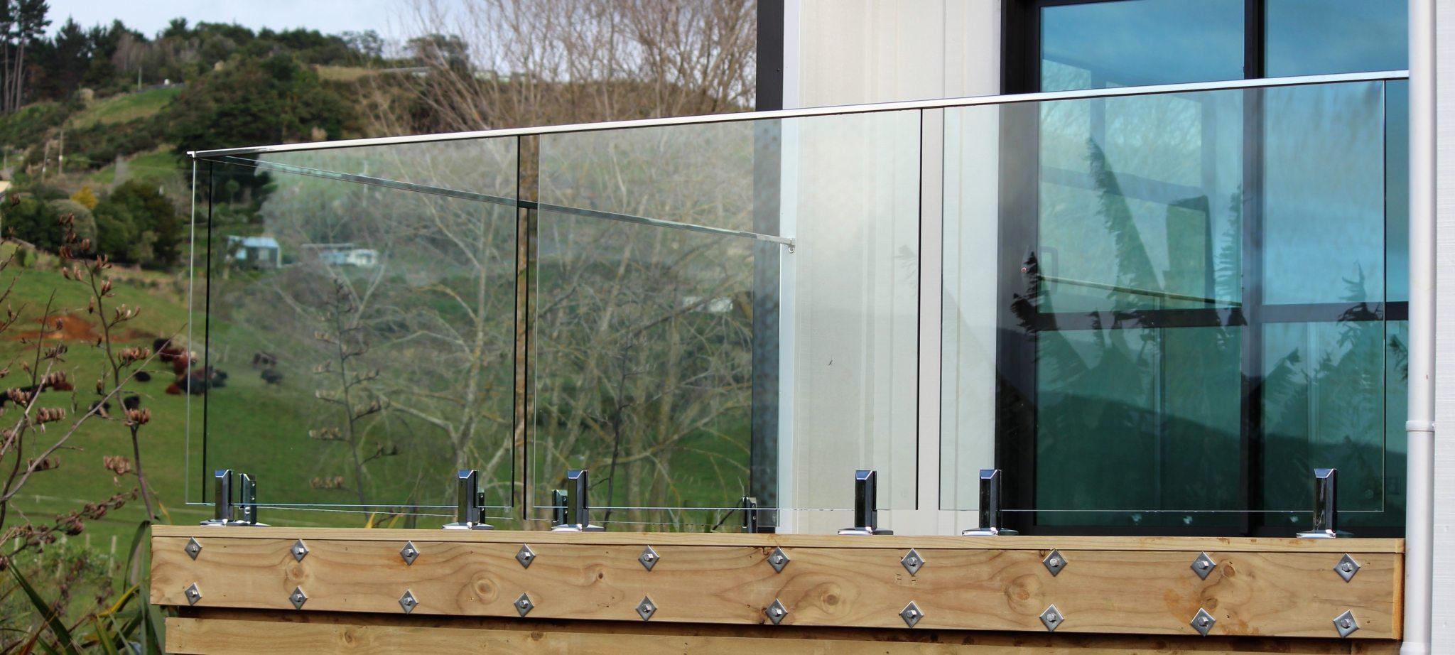 Glass balustrade Kiwi Homes Raglan