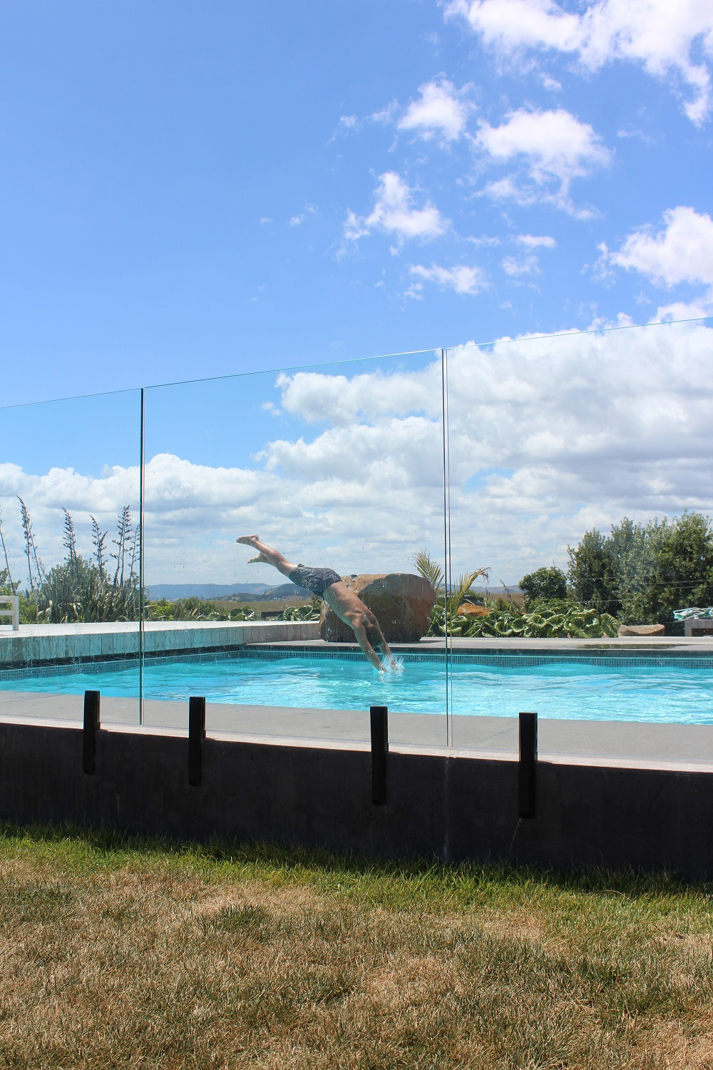 Clear view of swimmers