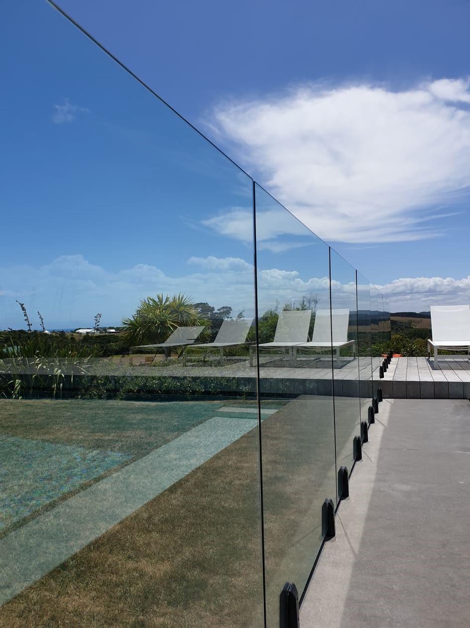 Framless glass balustrade