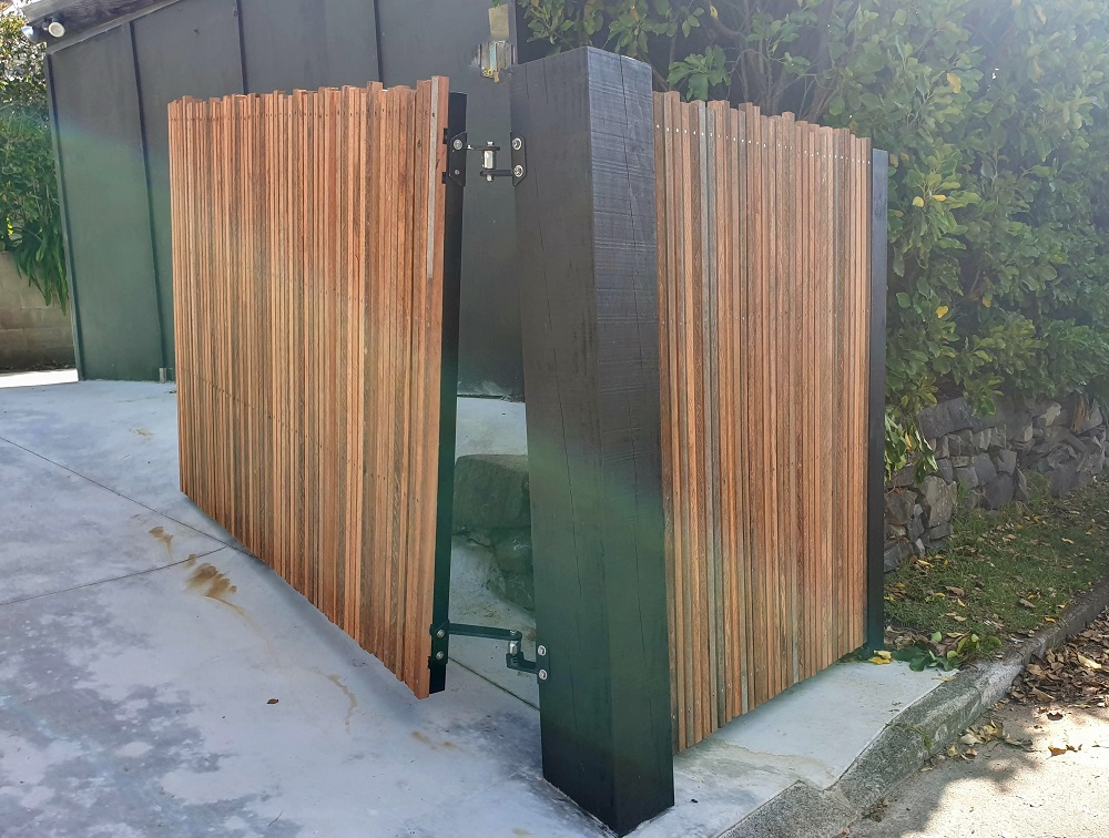 WCS custom rising hinge
